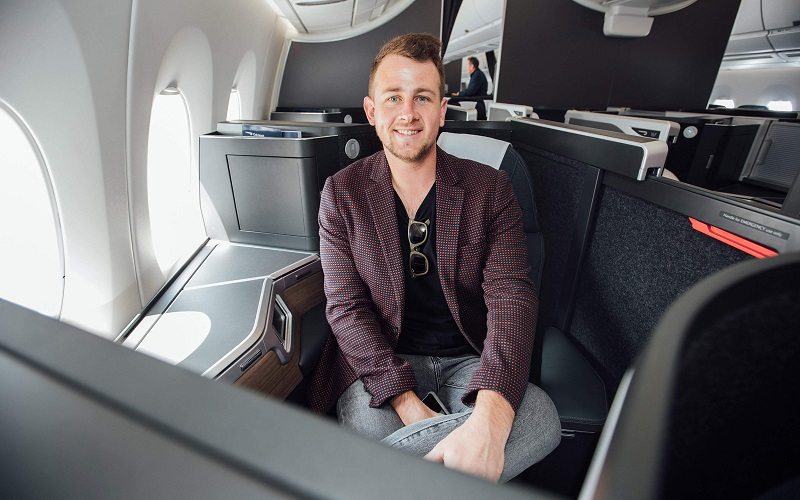 https: img.okezone.com content 2019 11 30 406 2136320 beri-tantangan-blogger-ini-rela-tukar-tiket-pesawat-ekonomi-jadi-first-class-bagi-pemenang-fNIA6IjUTr.jpg