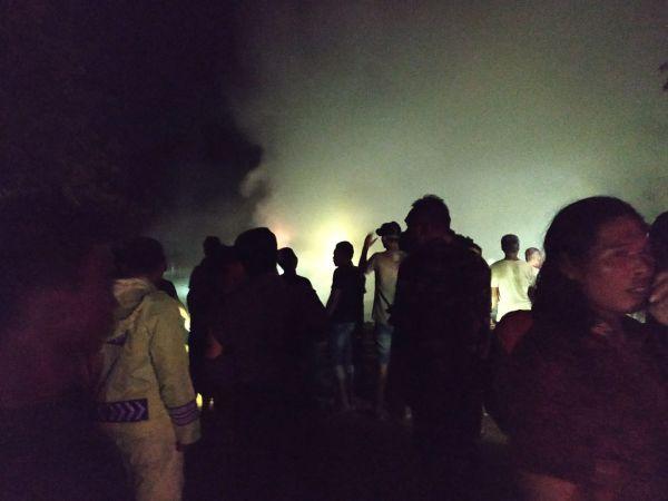 https: img.okezone.com content 2019 11 30 512 2136295 4-rumah-di-grobogan-ludes-terbakar-akibat-korsleting-listrik-CaAsBuWj8p.jpg