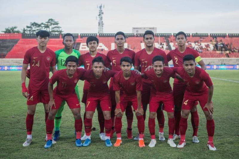 https: img.okezone.com content 2019 12 01 51 2136661 gol-telat-vietnam-buat-timnas-indonesia-u-22-takluk-1-2-2LHLl85yBW.jpeg