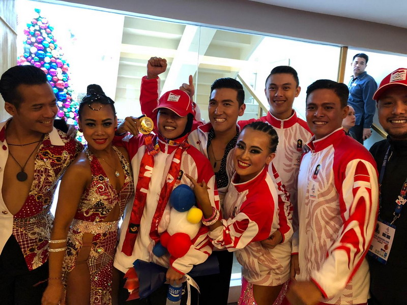 https: img.okezone.com content 2019 12 02 43 2136796 alasan-emas-indonesia-di-cabor-dancesport-tak-masuk-hitungan-klasemen-medali-CS90sz3UZy.jpg