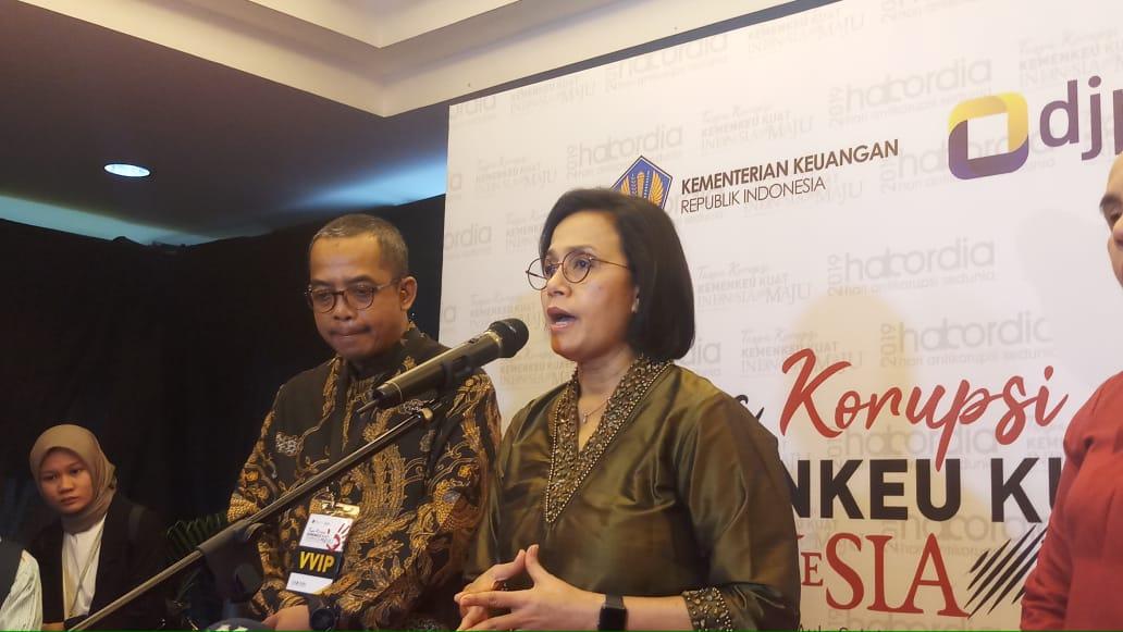 https: img.okezone.com content 2019 12 03 20 2137491 sri-mulyani-menyayangkan-masih-banyak-makelar-si-indonesia-mGqjHBnpX0.jpeg