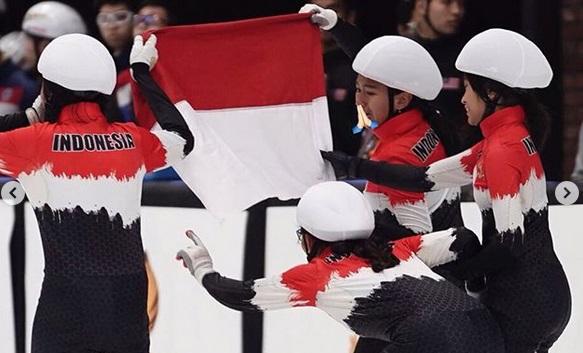 https: img.okezone.com content 2019 12 03 43 2137536 ice-skating-indonesia-torehkan-2-medali-perak-di-sea-games-2019-dtl9Ltaamb.jpg