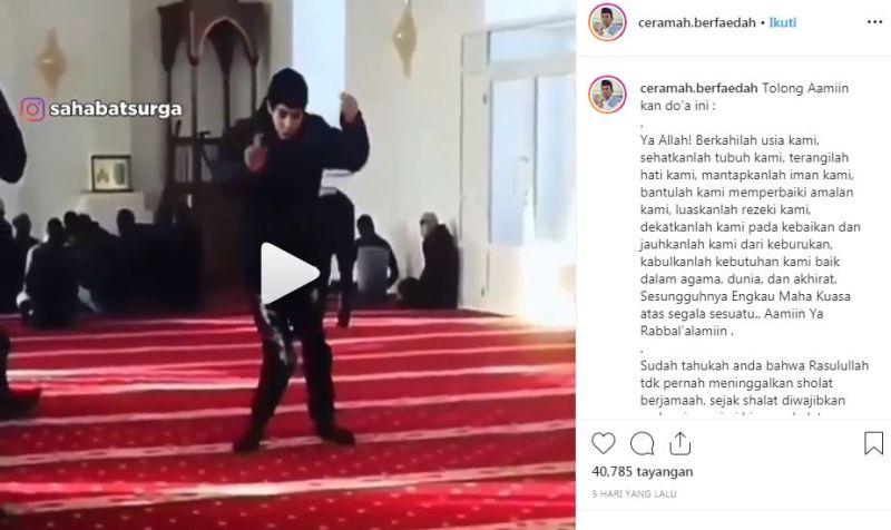 https: img.okezone.com content 2019 12 03 614 2137367 hari-disabilitas-sedunia-viral-pemuda-tetap-ke-masjid-meski-sulit-berjalan-MudPwrjGFZ.jpg