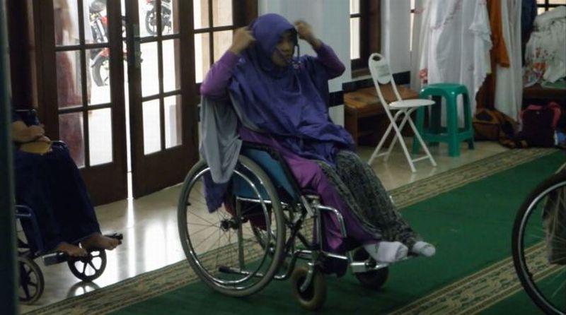 https: img.okezone.com content 2019 12 03 614 2137434 subhanallah-masjid-el-syifa-sangat-ramah-untuk-disabilitas-TMJPVuiSCD.jpg