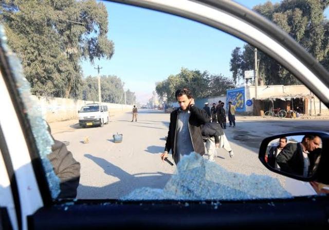 https: img.okezone.com content 2019 12 04 18 2138037 kelompok-bersenjata-bunuh-6-orang-di-afghanistan-termasuk-dokter-asal-jepang-AxEBeNvlbD.jpg