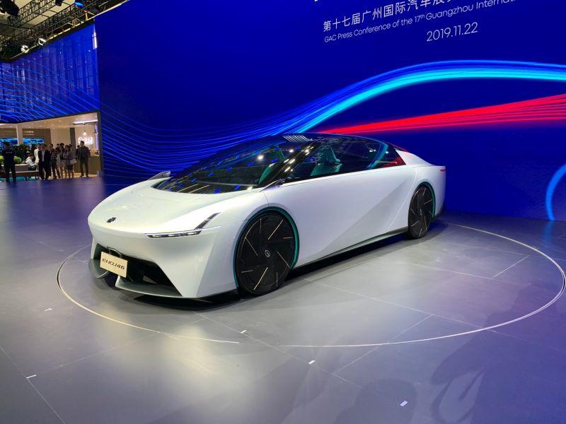 https: img.okezone.com content 2019 12 04 52 2137704 kalahkan-aerodinamika-bugatti-mobil-listrik-tiongkok-ini-miliki-enam-bangku-XlzzhmZ7ps.jpg