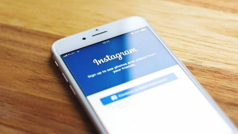 https: img.okezone.com content 2019 12 05 207 2138494 2020-instagram-lebih-aman-digunakan-pengguna-usia-muda-MKxxG4Xhxy.jpg