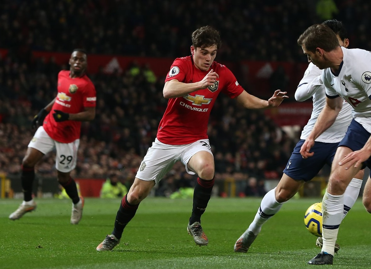 Manchester United Dan Tottenham Sama Kuat Di Babak Pertama
