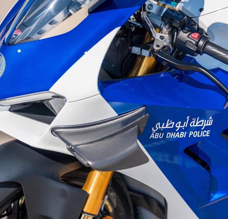 https: img.okezone.com content 2019 12 05 53 2138185 superbike-ducati-jadi-motor-patroli-polisi-yf01xsOGVb.jpeg