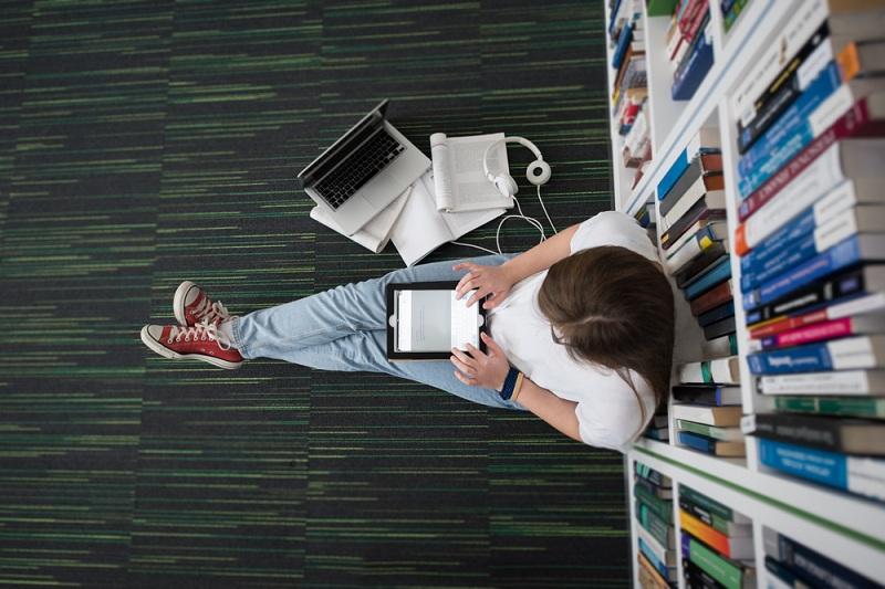 https: img.okezone.com content 2019 12 05 65 2138380 mahasiswa-ini-gagas-produk-pendingin-ramah-lingkungan-FK8ybYRnhx.jpg