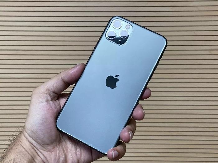 https: img.okezone.com content 2019 12 06 57 2138701 iphone-11-iphone-11-pro-iphone-11-pro-max-resmi-dijual-di-indonesia-3XUEKq4bIN.jpg