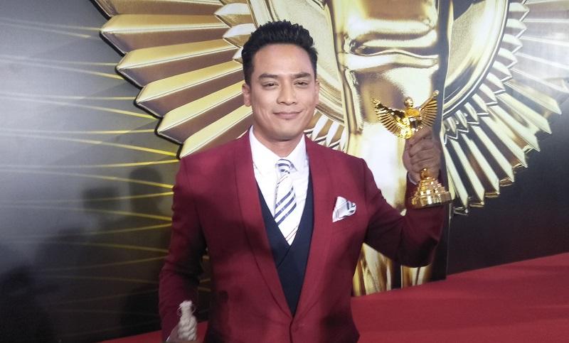 https: img.okezone.com content 2019 12 06 598 2138998 tommy-tjokro-hingga-masterchef-indonesia-raih-panasonic-gobel-awards-2019-zuFhYrLdjx.jpg