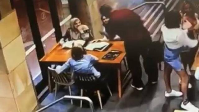 https: img.okezone.com content 2019 12 07 18 2139210 penyerang-muslimah-hamil-di-australia-tak-mau-didampingi-pengacara-h6tvTt8r6X.jpg