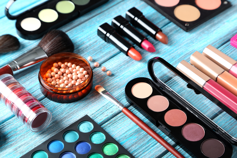 gaya make-up yang natural alami