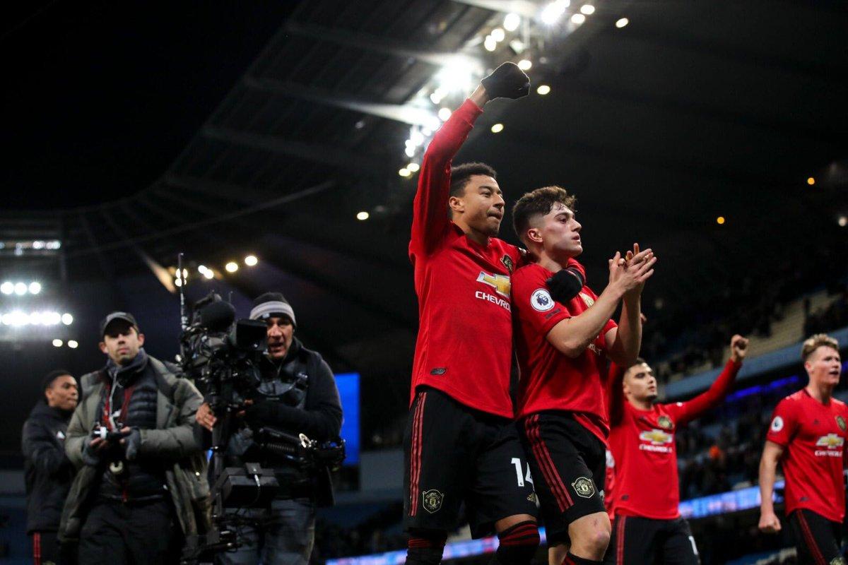 https: img.okezone.com content 2019 12 08 45 2139418 menangi-derby-manchester-legenda-man-united-ada-sebuah-harapan-tNOSITrEZi.jpg