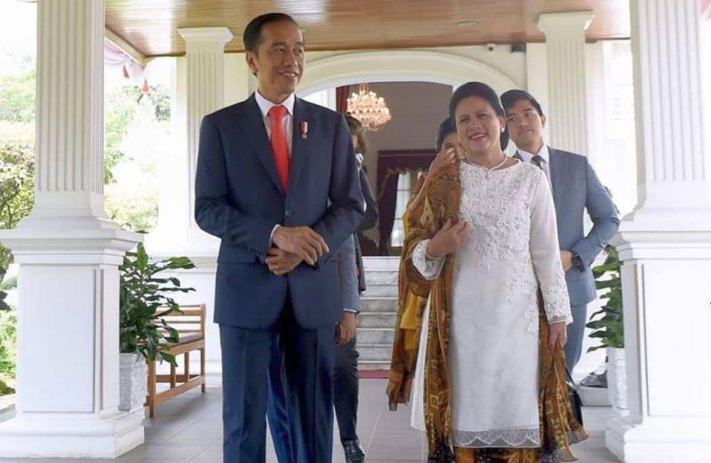 https: img.okezone.com content 2019 12 09 194 2139955 deretan-artis-cantik-yang-rela-dibonceng-presiden-jokowi-manja-banget-W09cgFrDCb.jpg