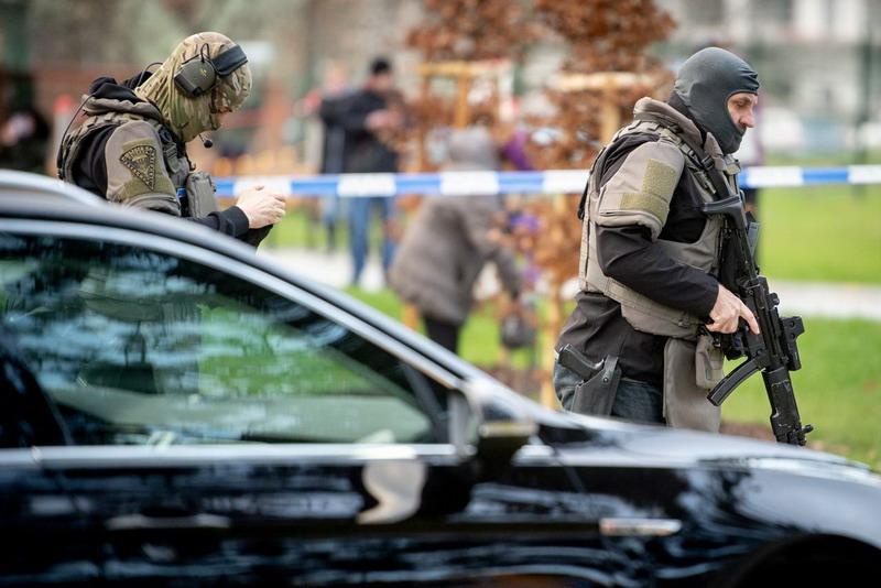 https: img.okezone.com content 2019 12 10 18 2140300 enam-tewas-dalam-penembakan-di-rumah-sakit-ceko-pelaku-bunuh-diri-JMwVg0oAFc.jpg