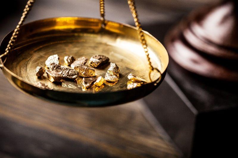 https: img.okezone.com content 2019 12 10 320 2140019 harga-emas-berjangka-stabil-paladium-tembus-rekor-baru-xGbEv8Sr8k.jpg