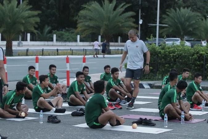 https: img.okezone.com content 2019 12 10 51 2140068 timnas-indonesia-u-22-vs-vietnam-di-final-sea-games-2019-indra-takdir-yang-menentukan-y7LFKgwqcQ.jpg