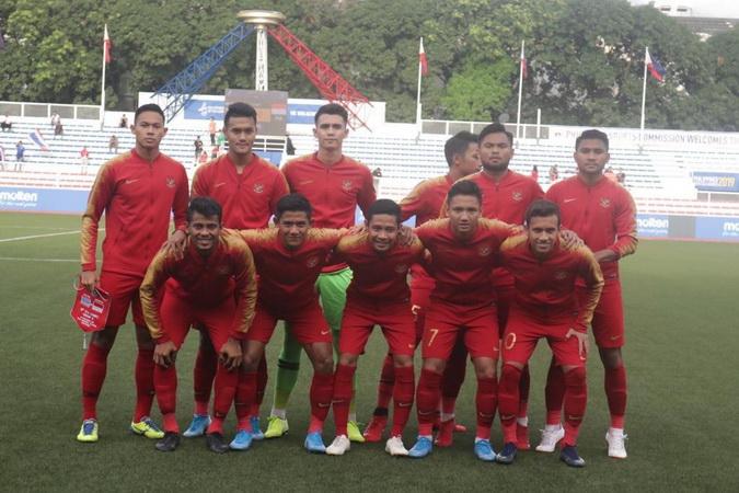 https: img.okezone.com content 2019 12 10 51 2140354 timnas-indonesia-u-22-tertinggal-0-1-dari-vietnam-di-babak-pertama-VcYB062lNp.jpg