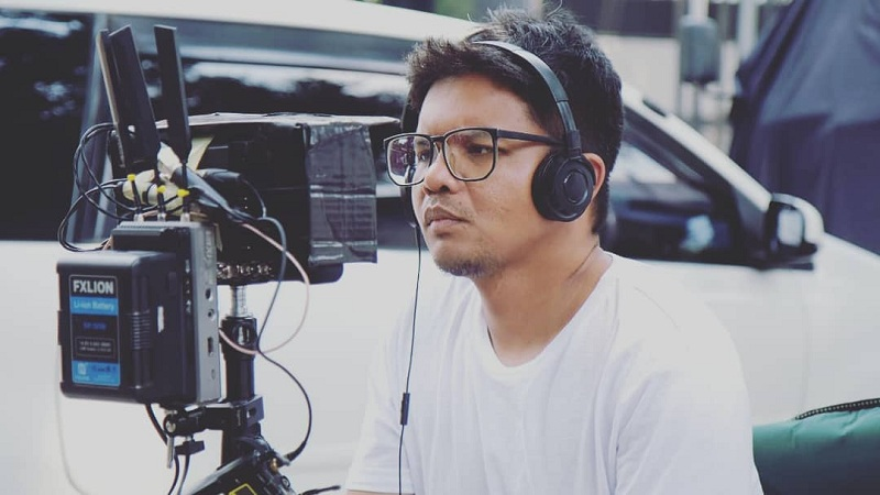 https: img.okezone.com content 2019 12 11 206 2140740 pesan-penting-fajar-nugros-pada-pemenang-indodax-film-festival-2019-Tn74yZkLTC.jpg