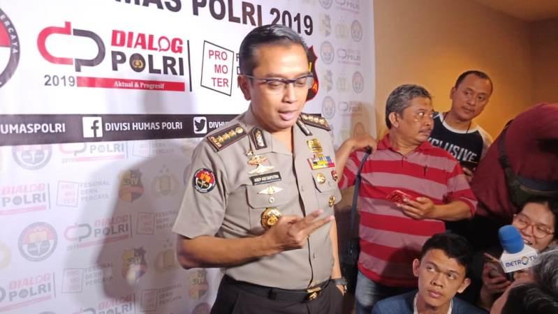 https: img.okezone.com content 2019 12 11 337 2140753 pembunuh-tki-di-ladang-sawit-malaysia-ditangkap-pelaku-wni-xY9jWfTtk4.jpg
