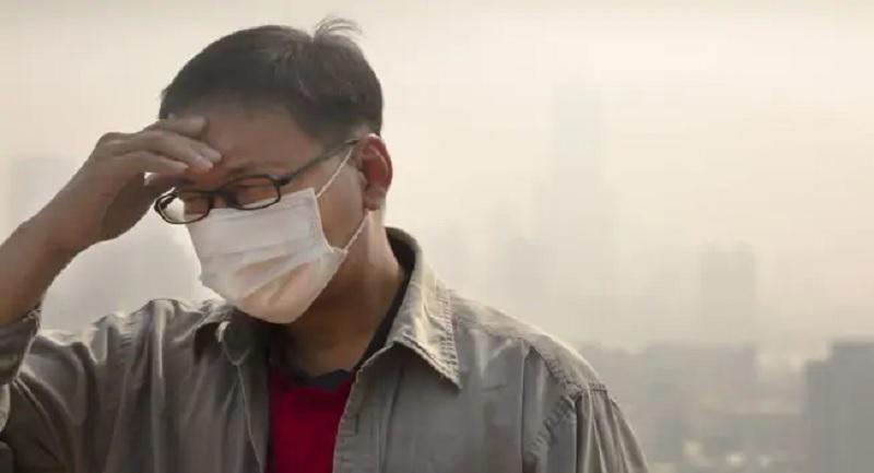 https: img.okezone.com content 2019 12 11 481 2140601 awas-polusi-udara-bisa-bikin-stres-hingga-timbul-niat-bunuh-diri-9tFNkInheE.jpg