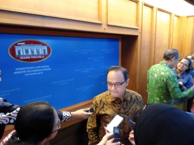 https: img.okezone.com content 2019 12 12 18 2141154 indonesia-kirim-wakil-pantau-sidang-dugaan-genosida-rohingya-di-myanmar-gBTLFnW9LG.jpg