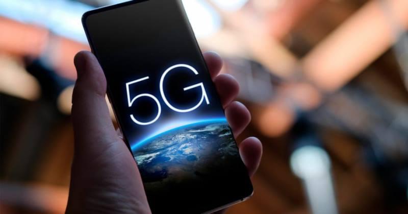 https: img.okezone.com content 2019 12 12 57 2141262 ponsel-5g-masa-depan-bisa-lebih-murah-di-bawah-rp7-juta-LPEm56bc7B.jpg