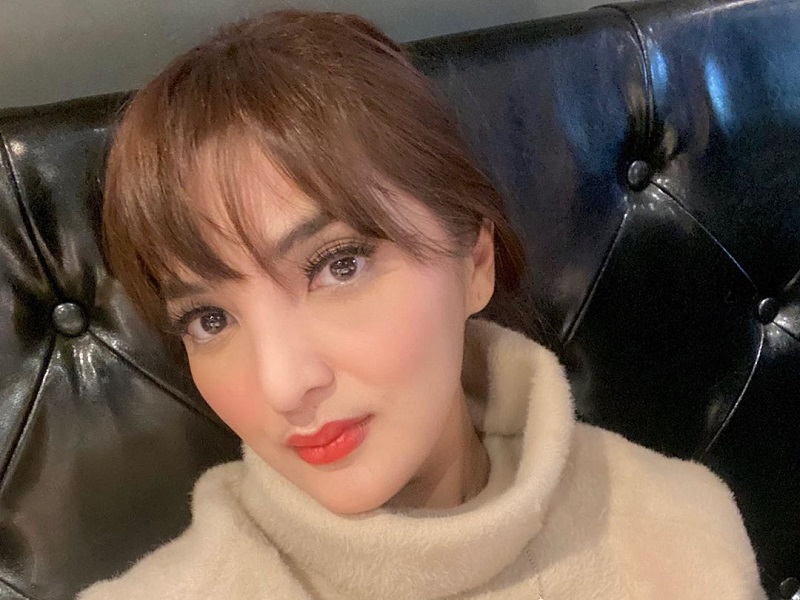 https: img.okezone.com content 2019 12 13 194 2141435 potret-penampilan-ashanty-yang-stylish-dengan-gaya-rambut-baru-9Xl1CzpmZa.jpg