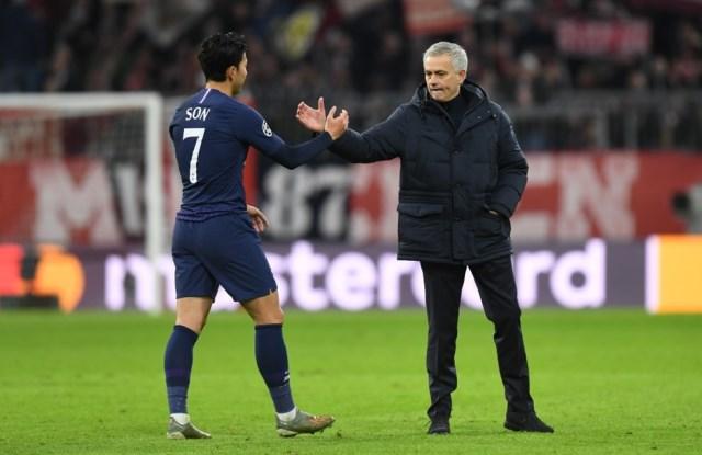 https: img.okezone.com content 2019 12 13 261 2141355 mourinho-tidak-ada-klub-yang-ingin-berjumpa-tottenham-di-16-besar-liga-champions-2019-2020-TjhmiVpRPW.jpg