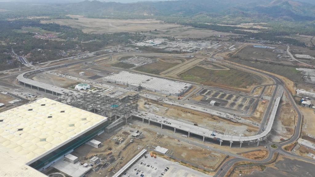 https: img.okezone.com content 2019 12 14 320 2141831 bandara-internasional-yogyakarta-beroperasi-penuh-29-april-2020-ljYlkP6Xv1.jpg