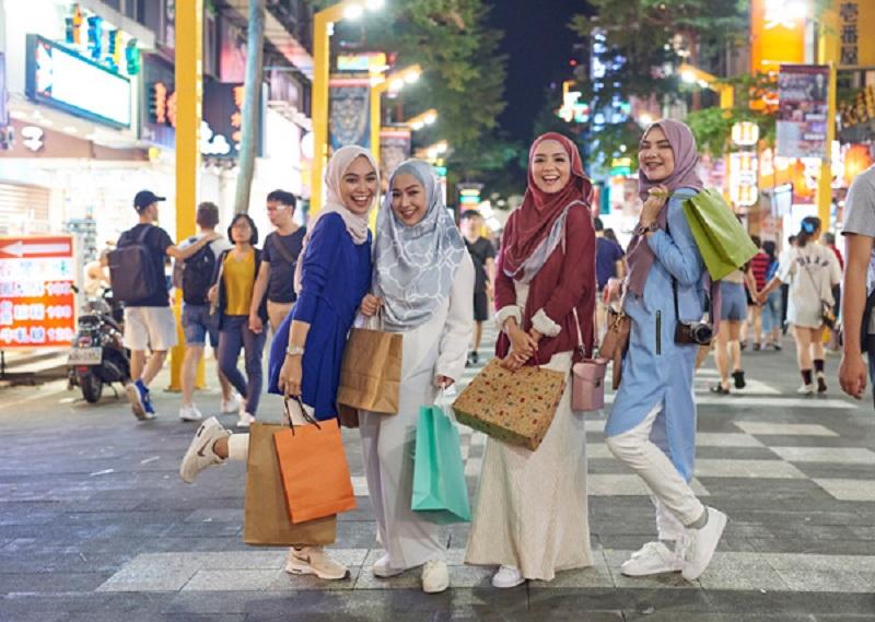 https: img.okezone.com content 2019 12 14 406 2141894 wisata-taiwan-semakin-muslim-friendly-cocok-buat-destinasi-liburan-akhir-tahun-bersama-keluarga-bbt1j2yhrm.jpg