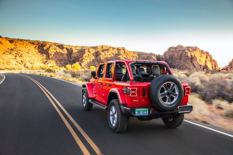 https: img.okezone.com content 2019 12 15 52 2142116 jeep-siapkan-teknologi-untuk-elektrifikasi-modelnya-mulai-2022-eKT9N5R3Oj.jpg