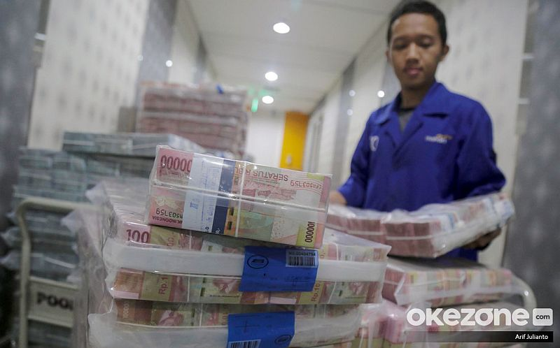 https: img.okezone.com content 2019 12 16 20 2142616 naik-lagi-utang-luar-negeri-indonesia-tembus-rp5-608-triliun-bx6sVbcbic.jpg