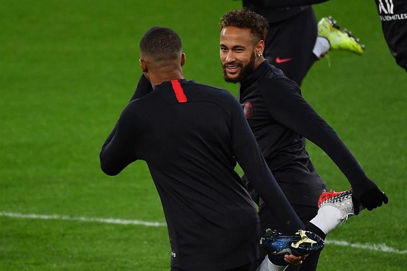 https: img.okezone.com content 2019 12 17 261 2142753 neymar-tak-ingin-psg-kembali-gugur-di-16-besar-liga-champions-92bugLEcAe.jpg