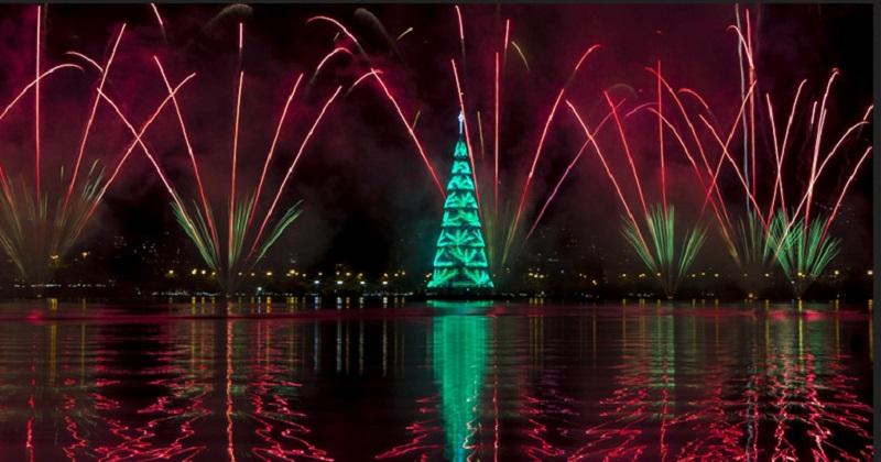 https: img.okezone.com content 2019 12 17 406 2143134 rio-de-janeiro-kembali-hadirkan-pohon-natal-apung-tertinggi-di-dunia-QwZ2ATQEjS.jpg