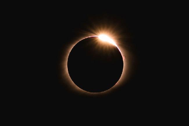 https: img.okezone.com content 2019 12 18 56 2143485 ini-wilayah-indonesia-yang-dapat-melihat-gerhana-matahari-cincin-26-desember-2019-zX9lHj3ayh.jpg