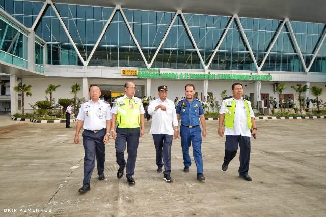 https: img.okezone.com content 2019 12 19 337 2143745 menhub-siapkan-3-bandara-tersus-kendaraan-listrik-dukung-transportasi-di-ibu-kota-baru-7cIIfyNawt.jpg