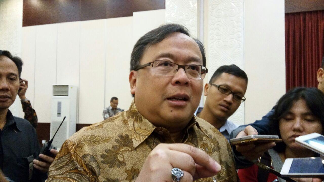 https: img.okezone.com content 2019 12 19 65 2143734 menteri-bambang-ingin-indonesia-miliki-brand-nasional-yang-mendunia-42BRMBoM3j.jpg