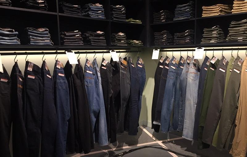 https: img.okezone.com content 2019 12 20 194 2144260 jeans-berbahan-kapas-organik-ini-keunggulannya-mHRPzAfoFk.jpeg