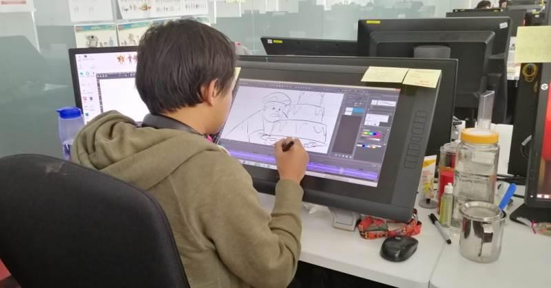 https: img.okezone.com content 2019 12 20 326 2144245 peralatan-canggih-dan-animator-profesional-di-balik-sukses-film-animasi-kiko-QTG4nDIoLA.jpg