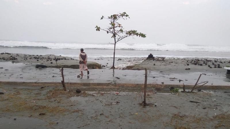 https: img.okezone.com content 2019 12 21 338 2144667 cegah-abrasi-laut-ini-yang-dilakukan-pemprov-dki-nZcaJluX7P.jpeg