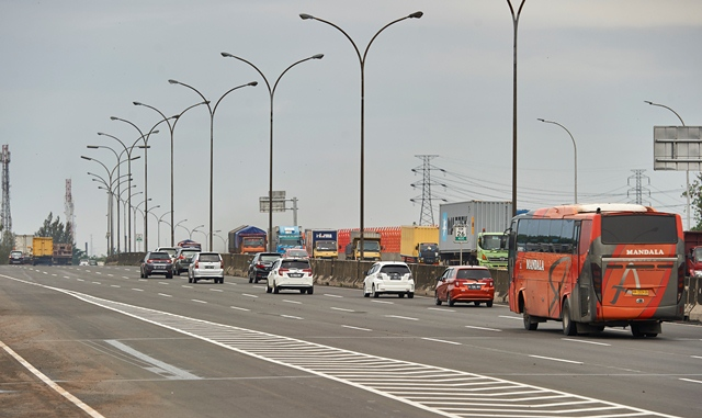 291 Ribu Kendaraan Tinggalkan Jakarta Via Tol Tangerang Merak Okezone News