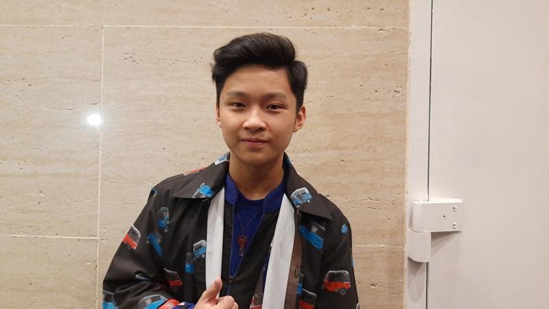https: img.okezone.com content 2019 12 24 598 2145453 samuel-cipta-tak-menyangka-tersisih-di-top-10-indonesian-idol-2019-Ul5yugx7ZT.jpg