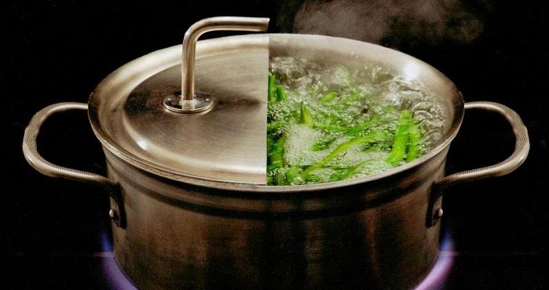 https: img.okezone.com content 2019 12 26 298 2146348 kata-ahli-gizi-begini-tips-rebus-sayuran-agar-nutrisi-tak-hilang-xCA3e2K7Uy.jpg