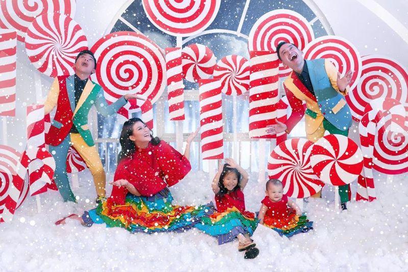 https: img.okezone.com content 2019 12 26 33 2146283 rayakan-natal-pertama-bersama-keluarga-ruben-onsu-betrand-peto-perfect-ZaWSfYVIJI.jpg