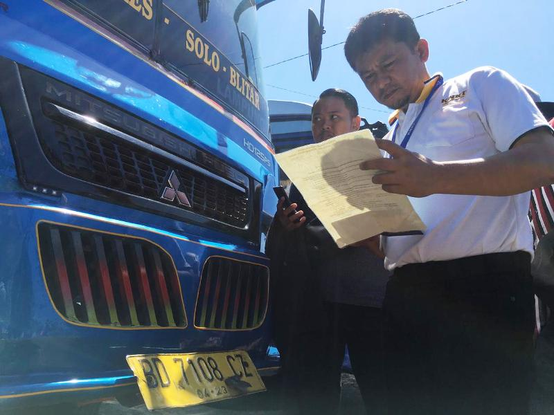 https: img.okezone.com content 2019 12 26 337 2146256 bus-sriwijaya-ternyata-tak-punya-trayek-ke-palembang-fzNeofO8DF.jpg