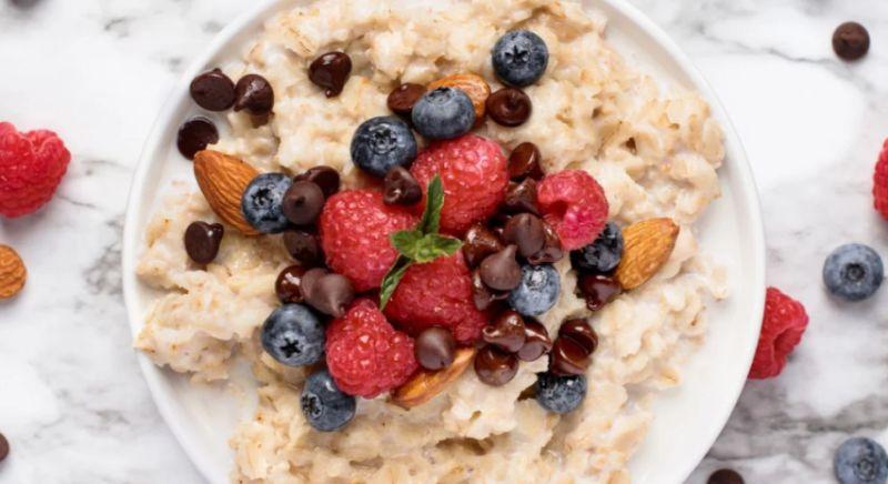 https: img.okezone.com content 2019 12 26 481 2146377 makanan-sehat-untuk-bangkitkan-mood-baik-di-pagi-hari-apa-saja-ya-fsqzc7hM4Z.jpg