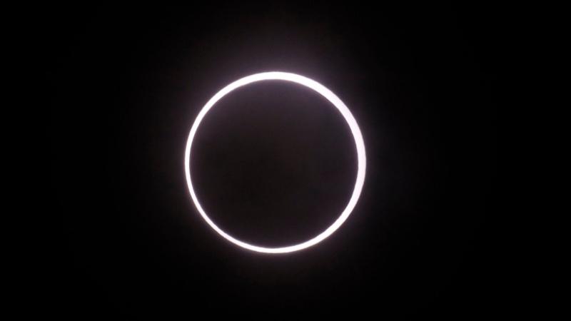 https: img.okezone.com content 2019 12 26 56 2146146 6-fakta-gerhana-matahari-cincin-yang-perlu-anda-ketahui-lw3nQYZhaU.jpg